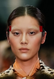 maquillage-defile-givenchy-automne-hiver-2014-2015-193969_w650